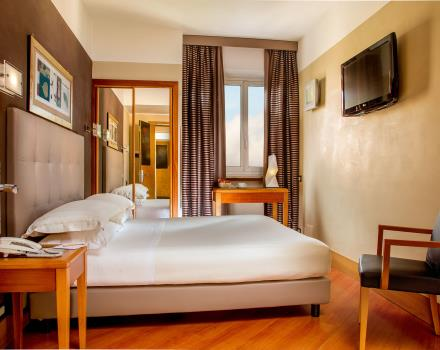 Services and reception in the standard rooms of the Best Western Plus Hotel Spring House Rome