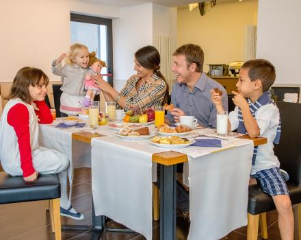 Breakfast for children and adults at the Best Western Plus Hotel Spring House Rome Center